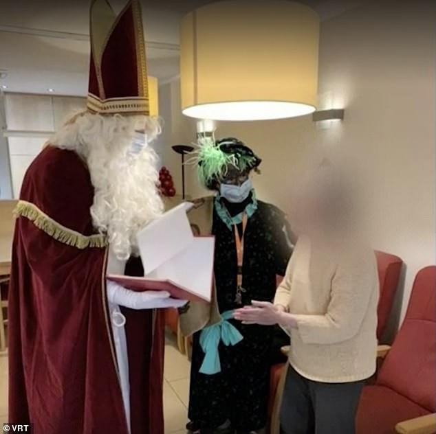 Ông già Noel vô tình làm lây nhiễm SARS-CoV-2 cho 75 người ở nhà dưỡng lão - Ảnh 1.