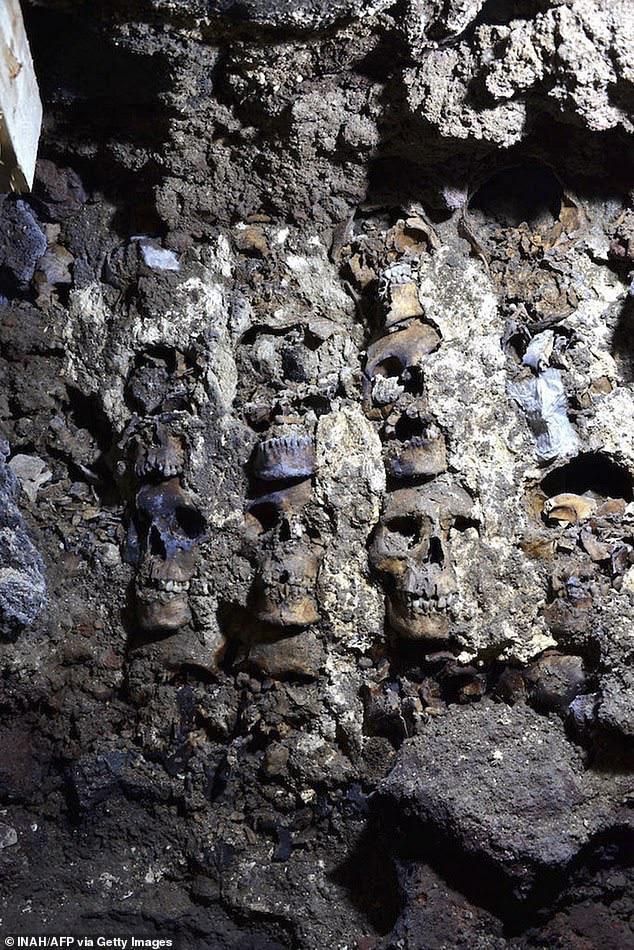 Bí mật rợn người ở tháp đầu lâu Aztec tại Mexico - ảnh 3