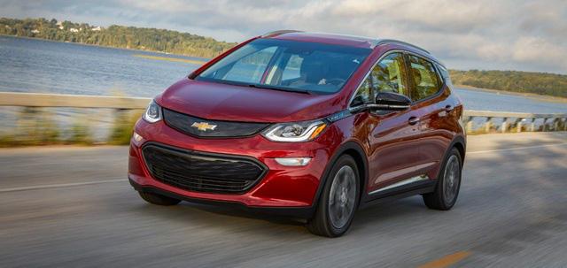 Hãng GM bị kiện vì pin xe điện Chevrolet Bolt cháy nổ gây nguy hiểm - Ảnh 1.