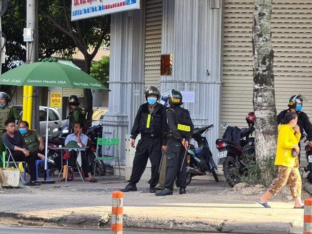 Hàng trăm công an khám xét 3 nhà thuốc tây lớn ở Biên Hòa - ảnh 2
