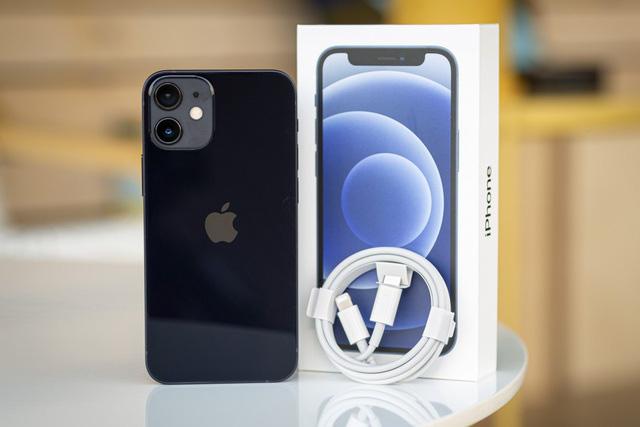 iPhone 12 và 12 mini bất ngờ giảm giá sau một tuần về Việt Nam - Ảnh 2.