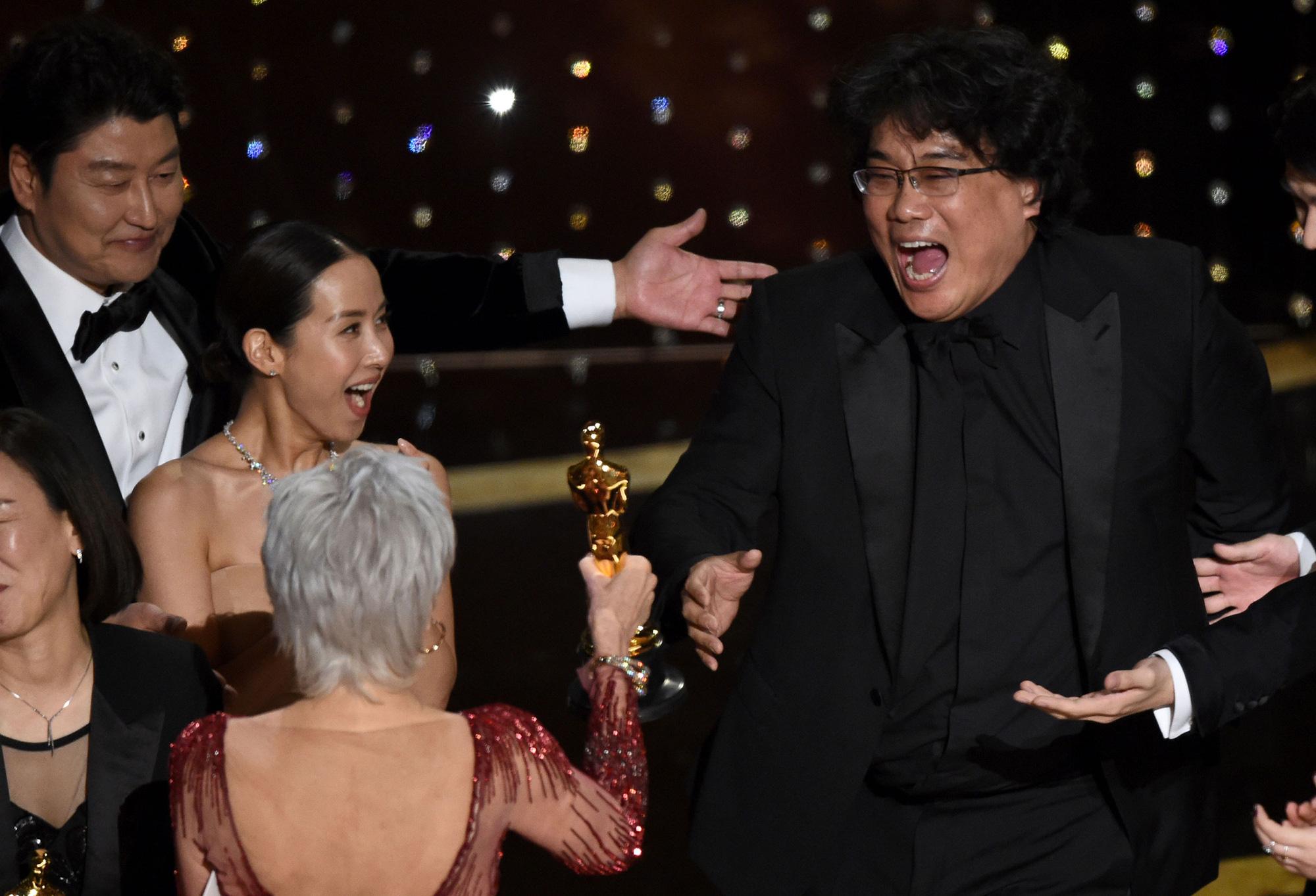 Ký sinh trùng: Chiến thắng lịch sử tại Oscar và một kết thúc vẹn toàn - Ảnh 1.