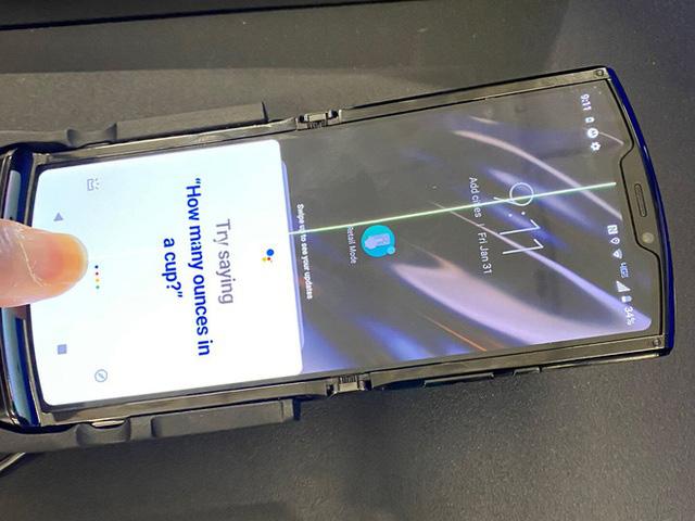 Moto RAZR dính lỗi màn hình hàng loạt sau chỉ 1 ngày mở bán - Ảnh 2.