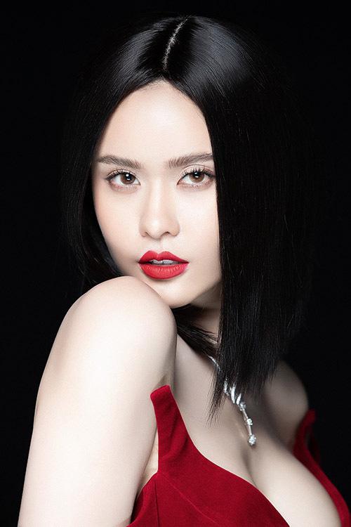 Trương Quỳnh Anh làm mới bản thân với hình ảnh gợi cảm - Ảnh 1.