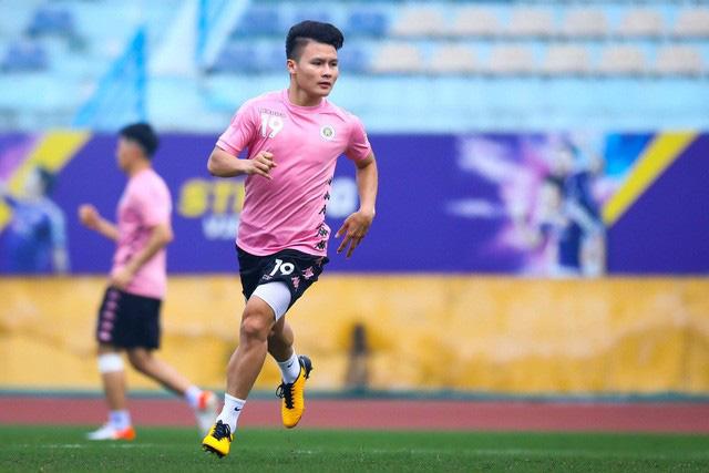ẢNH: CLB Hà Nội trở lại tập luyện sau 1 tuần gián đoạn vì virus Corona - Ảnh 1.