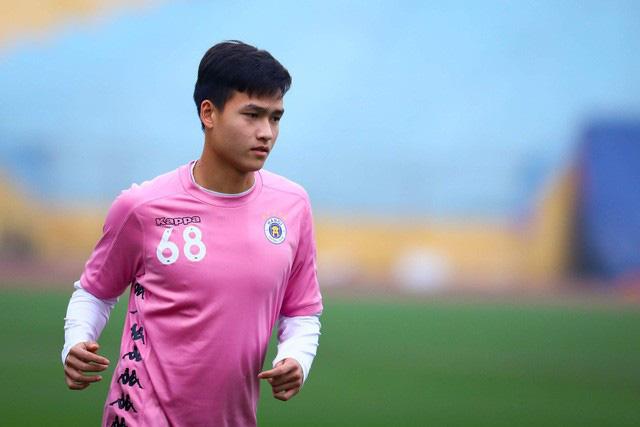 ẢNH: CLB Hà Nội trở lại tập luyện sau 1 tuần gián đoạn vì virus Corona - Ảnh 2.