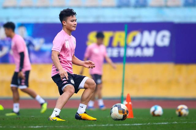 ẢNH: CLB Hà Nội trở lại tập luyện sau 1 tuần gián đoạn vì virus Corona - Ảnh 3.
