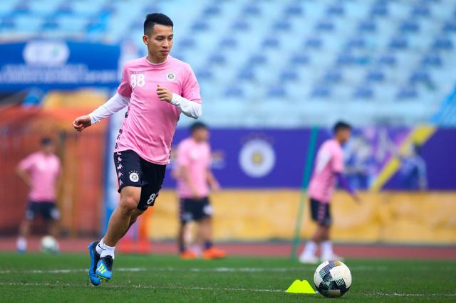 ẢNH: CLB Hà Nội trở lại tập luyện sau 1 tuần gián đoạn vì virus Corona - Ảnh 5.