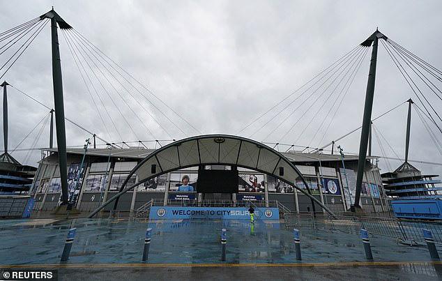 Ấn định thời gian đá bù trận Man City - West Ham sau khi bị hoãn vì bão - Ảnh 1.