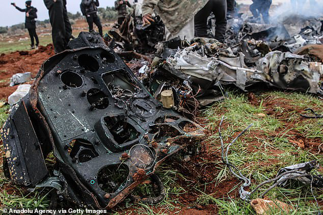 Thêm 1 máy bay trực thăng Syria bị bắn hạ - Ảnh 2.
