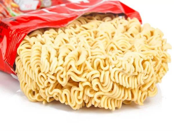 Cảnh báo 11 nguy cơ sức khỏe đến từ mì ăn liền - Ảnh 7.