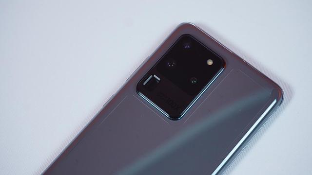 Mở hộp Galaxy S20 Ultra chính hãng giá gần 30 triệu đồng - ảnh 4