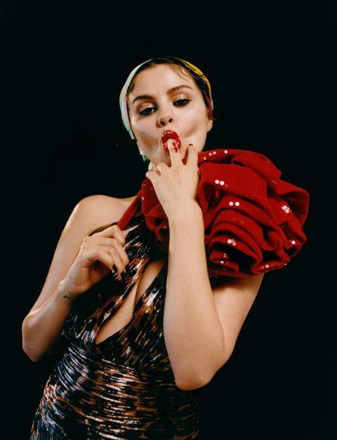 Selena Gomez: Kỷ nguyên mới, mạnh mẽ và quyến rũ` - Ảnh 5.