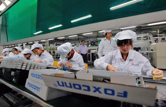 Foxconn được khuyến nghị chưa nối lại sản xuất do lo ngại nguy cơ lây nhiễm virus Corona - Ảnh 1.