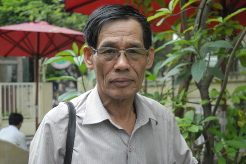Director, Peoples Artist Le Thi
