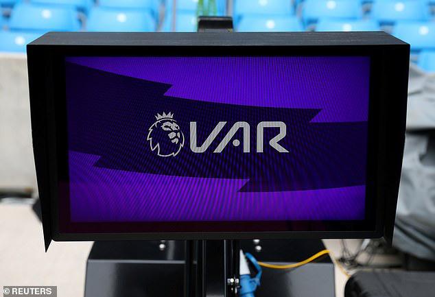 Đội nào hưởng lợi nhiều nhất nhờ VAR ở Ngoại hạng Anh? - Ảnh 1.