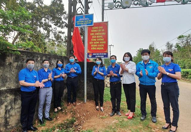 Tuổi trẻ cả nước chung tay góp sức chống dịch COVID-19 - Ảnh 3.