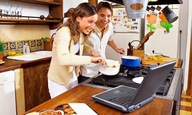 """Cách các nhà hàng """"sống sót"""" nhờ công nghệ trong mùa dịch COVID-19 - Ảnh 1."""