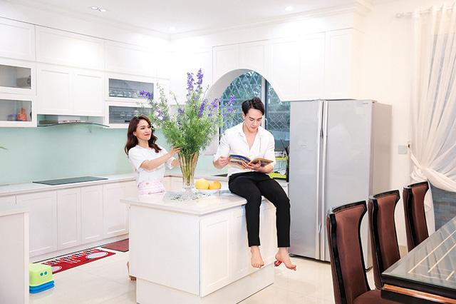 Hủy 21 show vì dịch COVID-19, Quang Hà quay MV tại căn nhà triệu đô của mình - Ảnh 9.