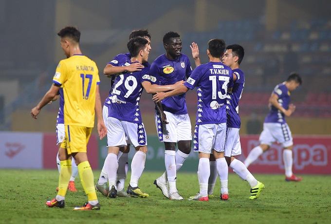 Hanoi FC Make Light Work Of Nam Dinh To Lead V League VTV