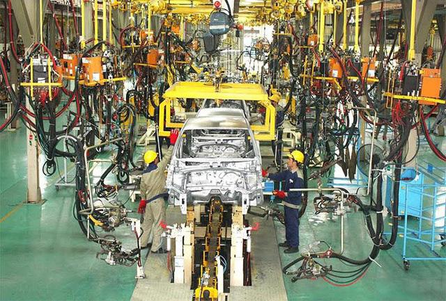 """Nhiều nhà máy ô tô vẫn dừng sản xuất dù không thuộc """"vùng nguy cơ cao"""" - Ảnh 1."""