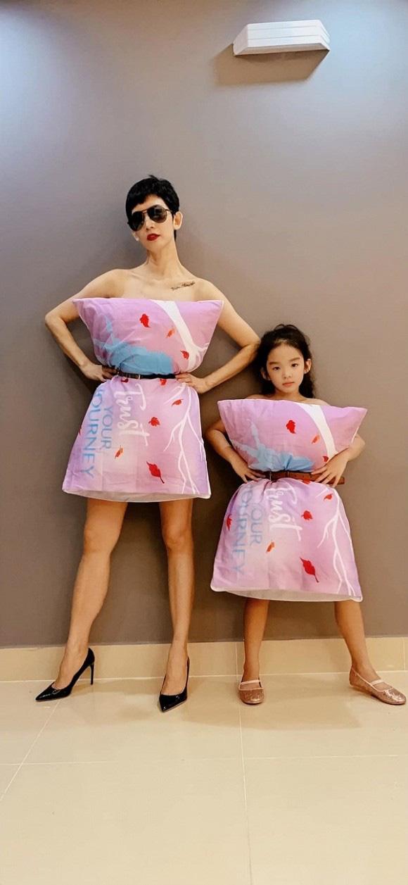 Bật cười với dàn sao Việt ở nhà vẫn chạy theo mốt lấy gối làm váy - Ảnh 5.