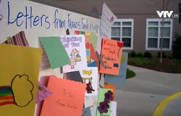 Bưu thiếp chia sẻ yêu thương trong mùa COVID-19 tại Mỹ - Ảnh 1.
