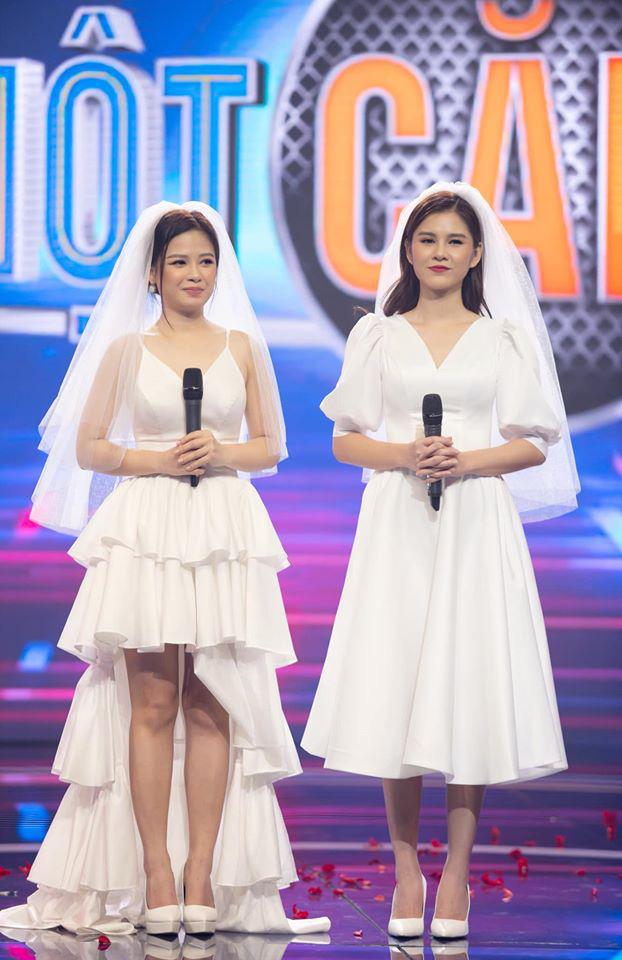 Loạt đồ đôi tuyệt đẹp của Thu Hoài - Dương Hoàng Yến trong Trời sinh một cặp - Ảnh 1.