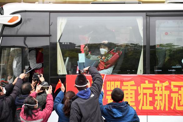 Dịch COVID-19 ngày 8/4: New York có số ca tử vong cao kỷ lục trong 24 giờ, Trung Quốc dỡ bỏ phong tỏa Vũ Hán - Ảnh 2.