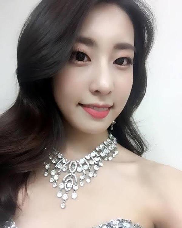 Vợ mới cưới của tài tử So Ji Sub sở hữu vẻ ngoài xinh đẹp và kiều diễm - Ảnh 5.