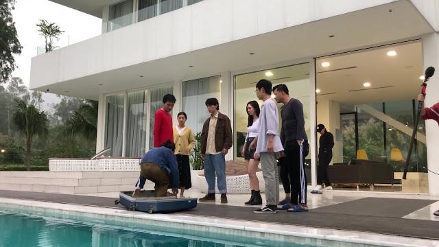 Nhà trọ Balanha: Sự thật cảnh quay Nhiên nằm trong vali, rơi xuống bể bơi - Ảnh 2.
