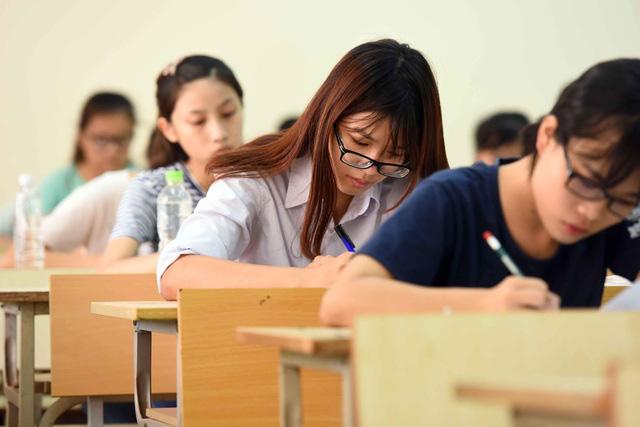 107.000 học sinh Hà Nội thi lớp 10 cạnh tranh hơn 66.000 suất vào công lập - Ảnh 1.