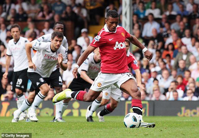 Luis Nani kể lại kỷ niệm nhớ đời khi làm tài xế cho Sir Alex Ferguson - Ảnh 1.
