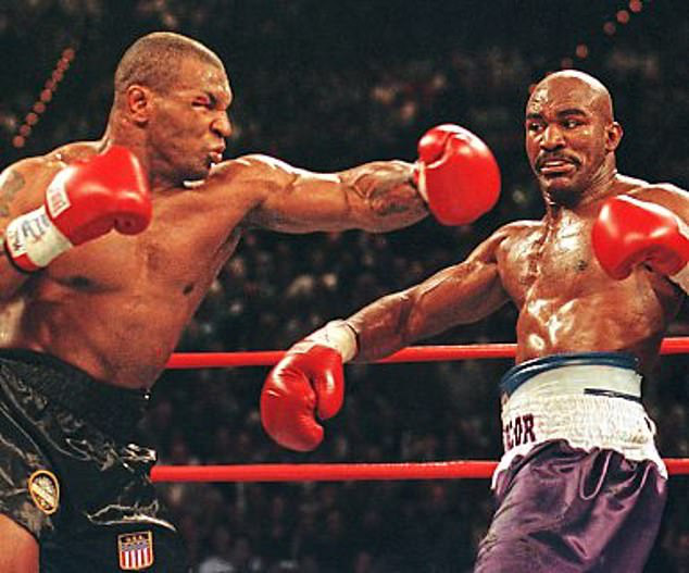 Evander Holyfield hào hứng trước trận tái đấu với Mike Tyson - Ảnh 1.