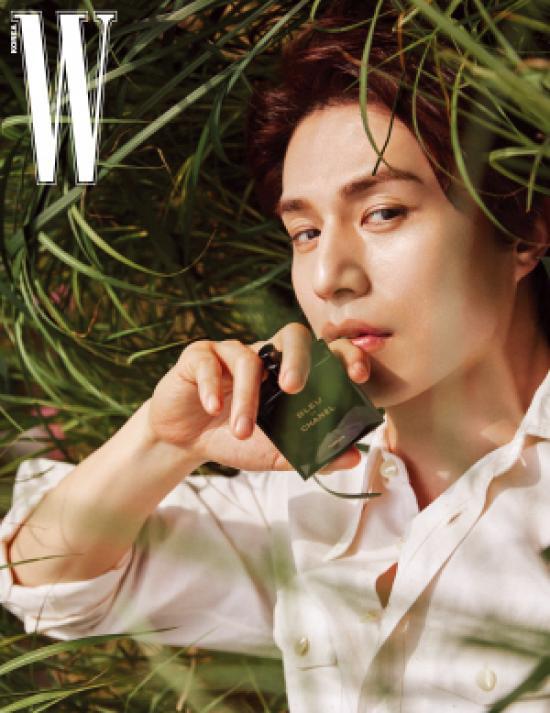 Lee Dong Wook lạnh lùng và lãng tử trong bộ ảnh mới - Ảnh 8.