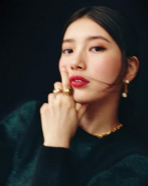 Suzy quý phái khác thường trên Vogue - Ảnh 3.