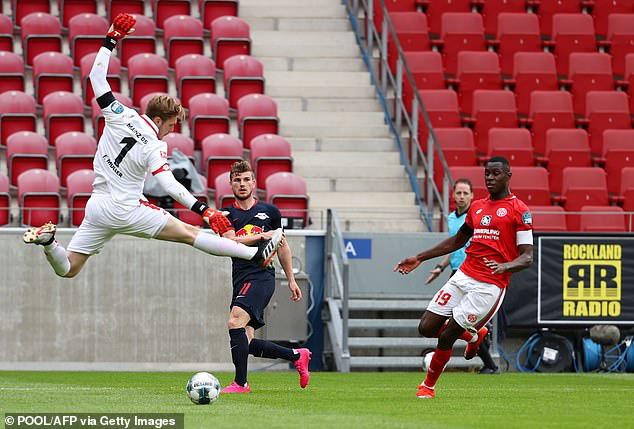 Mainz 05 0 - 5 RB Leipzig: Chiến thắng ấn tượng - Ảnh 2.