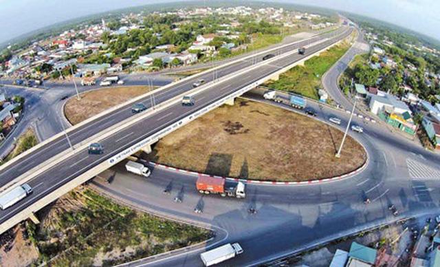 Đề xuất Quốc hội xem xét 3 phương án chuyển đổi hình thức đầu tư cao tốc Bắc - Nam - Ảnh 1.