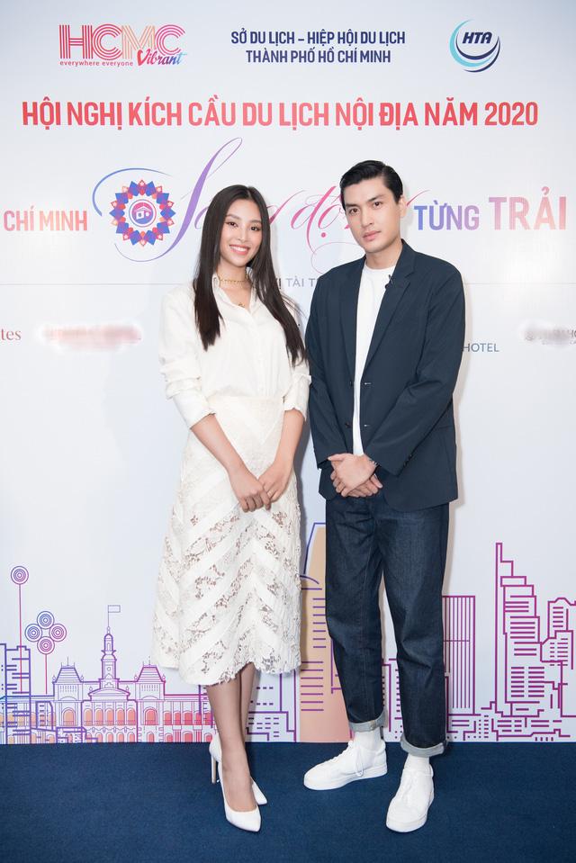 """Sau thả thính, Hoa hậu Tiểu Vy bất ngờ sánh đôi bên soái ca"""" Quang Đại - Ảnh 1."""