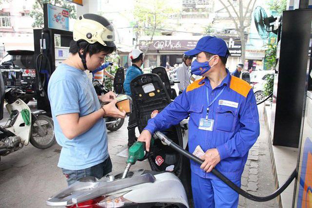 CHÍNH THỨC: Giá xăng, dầu tăng từ chiều nay (12/6) - Ảnh 1.