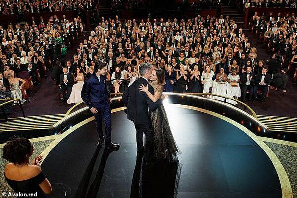 Oscar chính thức lùi ngày tổ chức do dịch COVID-19 - Ảnh 1.