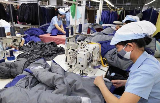 """""""Xuất xứ từ vải"""": Điểm nghẽn của ngành dệt may trong EVFTA - Ảnh 2."""