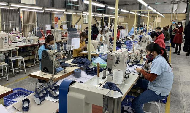 """""""Xuất xứ từ vải"""": Điểm nghẽn của ngành dệt may trong EVFTA - Ảnh 1."""