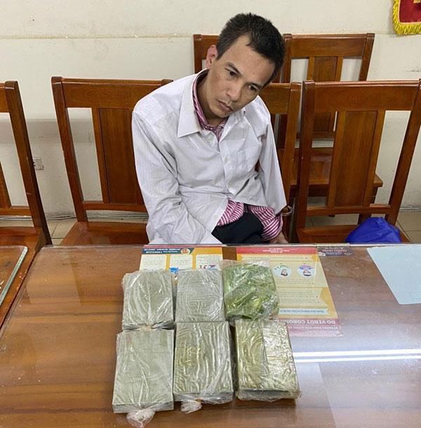 Hà Nội: Triệt phá 2 ổ nhóm mua bán trái phép chất ma túy, bắt giữ 2 đối tượng - Ảnh 1.