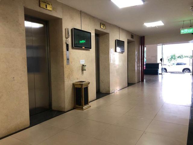 Bé trai bị dâm ô trong thang máy chung cư giữa Hà Nội - Ảnh 3.