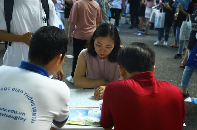 Hầm hập sức nóng Ngày hội tư vấn tuyển sinh – hướng nghiệp 2020 - Ảnh 6.