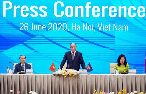 Thủ tướng: ASEAN chắc chắn không muốn phải chọn bên nào - Ảnh 1.