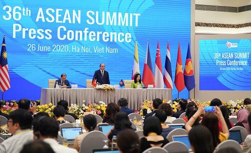 Thủ tướng: ASEAN chắc chắn không muốn phải chọn bên nào - Ảnh 2.