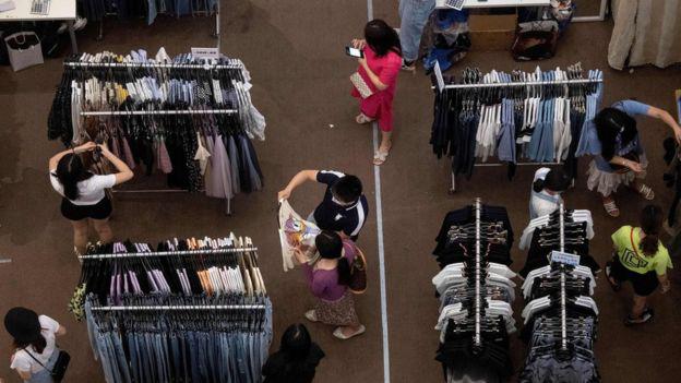Trung Quốc nỗ lực giảm dần nạn thất nghiệp do dịch COVID-19 - Ảnh 2.