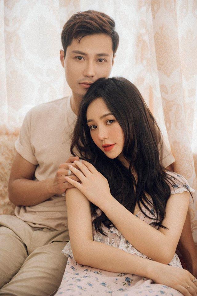 Rung rinh với loạt ảnh tình cảm của Thanh Sơn và Quỳnh Kool - Ảnh 1.